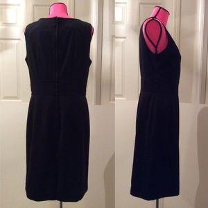 H&M Dresses - New H&M v-neck dress